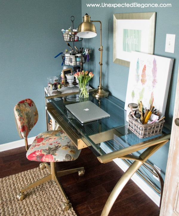 A messy office is cause for stress. It stops you from fully focusing on your work and creates tension. Get some home office organization tips to tame the clutter and be more productive.