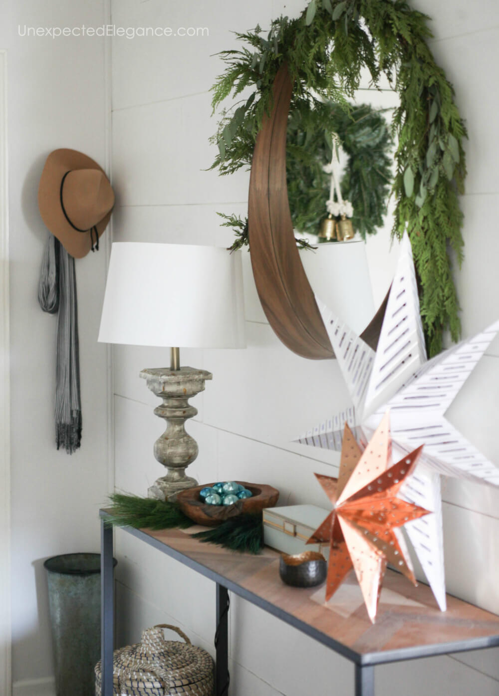 Festive holiday decor that is simple and easy!