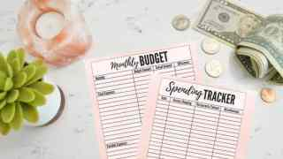Sticking to a Budget: 10 Budgeting Tips for Beginners