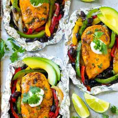 25 Delicious and Easy Foil Pack Dinners (perfect for the grill, oven, or campfire!)