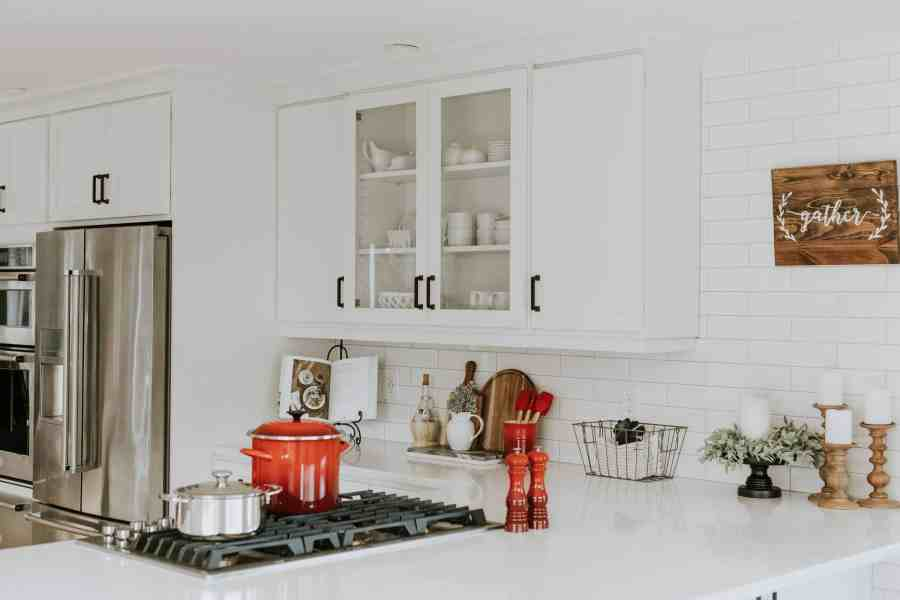 How to declutter your kitchen fast and easy. What to declutter to organize your kitchen counters, with 8 simple action steps!