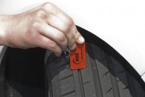 """RegelmŠ§ige Reifenchecks erhšhen die eigene Sicherheit - deshalb hei§t es jetzt wieder """"Wash & Check"""""""