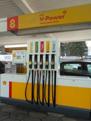 Zapfsäule an der Tankstelle. Foto:  Petra Grünendahl.