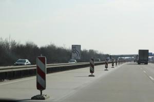 Die linke Spur im Baustellenbereich ist häufig nur für Fahrzeuge bis zu einer Breite von zwei Metern zugelassen. Foto: ARCD.