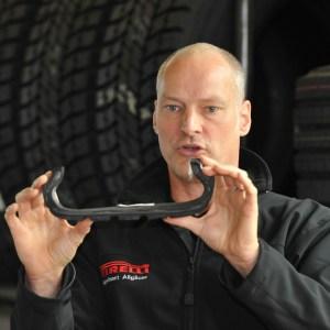 Norbert Allgäuer-Wiederhold, Reifenfachmann bei PIrelli, klärt auf über Reifen-Mythen. Foto: Pirelli.