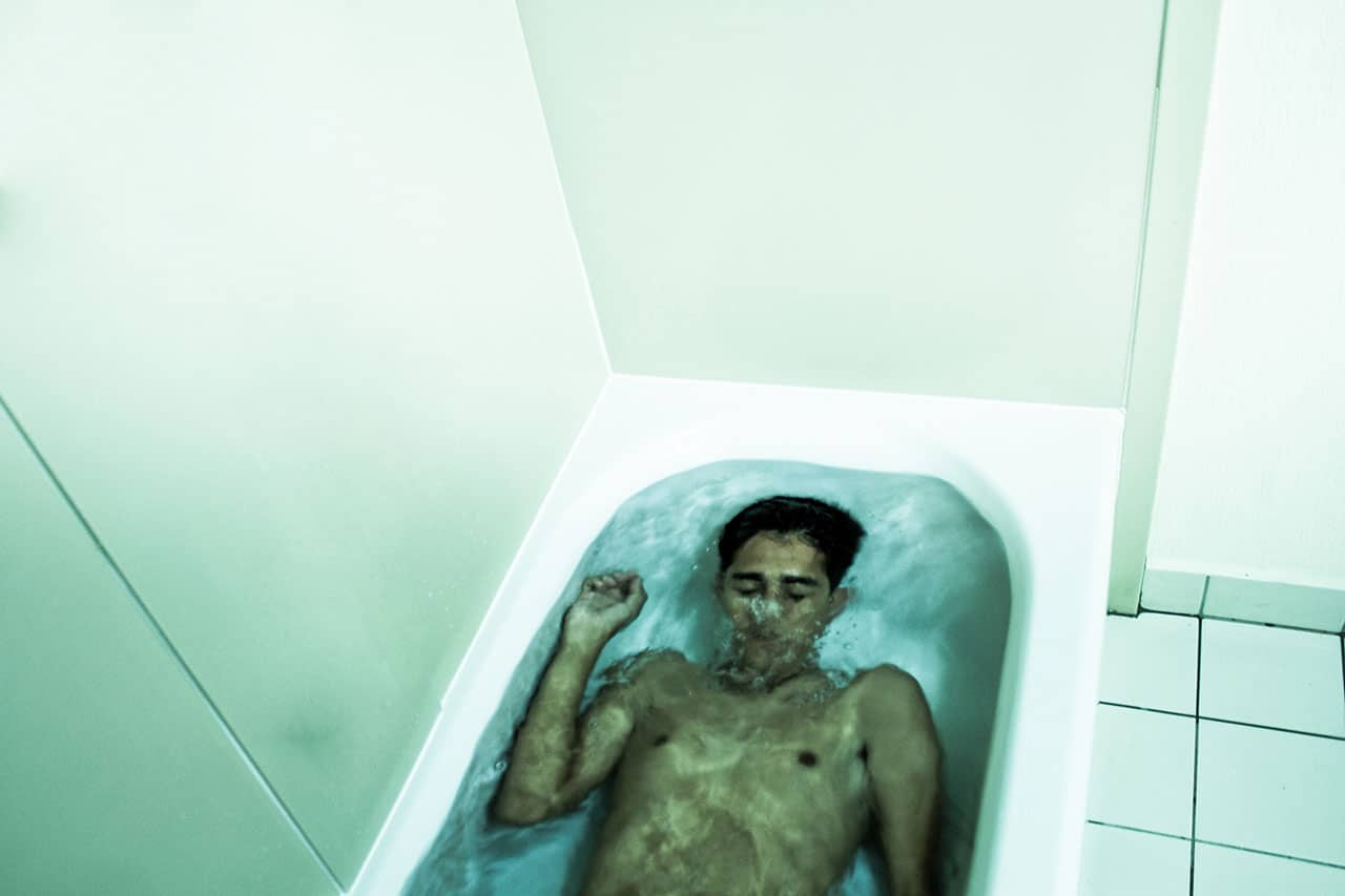 Drowned In Bathtub American Men Suicide And Depression