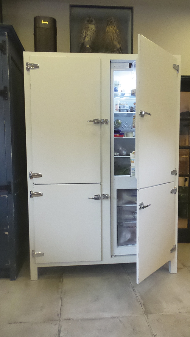 Build Cupboards Small Kitchens