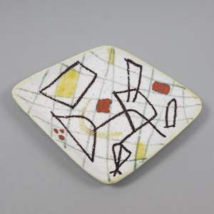Freeform ceramic plate with abstract decor by Guido Gambone -img01