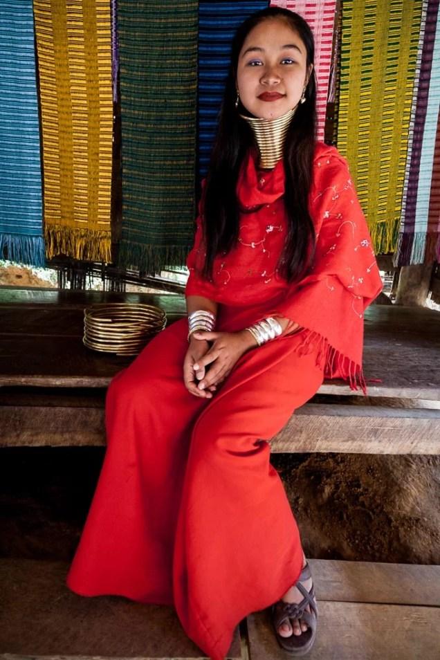 tailandia-tribus-mujeres-karen-jirafa-cuello-largo_12