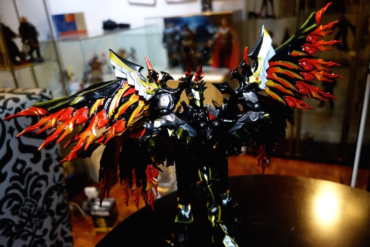 Shot of the back. Those wings are huge.