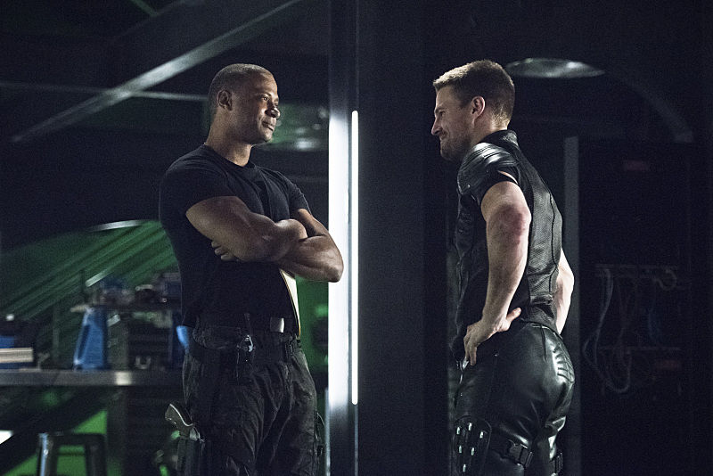 """Arrow -- """"Brotherhood"""" -- Image AR407A_0084b.jpg -- Pictured (L-R): David Ramsey as John Diggle and Stephen Amell as Oliver Queen -- Photo: Dean Buscher/The CW -- © 2015 The CW Network, LLC. All Rights Reserved."""