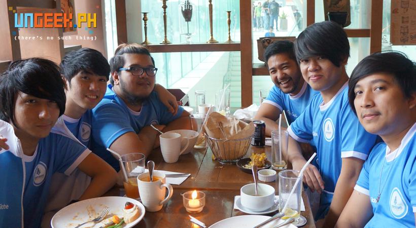 The Imperium Pro Team enjoying a hearty lunch! (L-R: Light, Suez, H4T3, Raph, JLC, Poysanity)