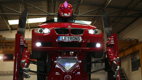 Estos son los Letrons, los primeros Transformers de la vida real, y son BMW