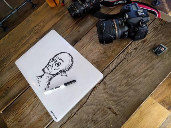 Transforma tu portátil en un tablero borrable con Sketchcase
