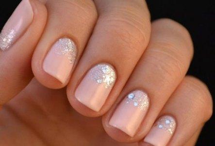 Nail-art-rosa-da-sposa-2015-con-glitter