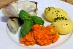 Kålrulletter av lam med gulrotpurè