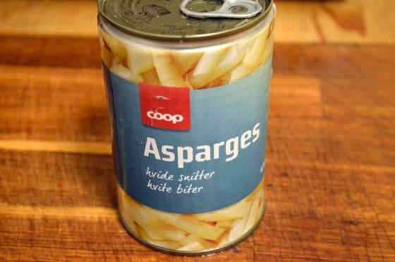 Du finner billig asparges på boks året rundt.