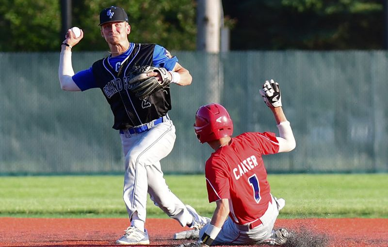 RUSS HONS: Photo Gallery — Grand Forks Royals Post 6 Vs. East Grand Forks Post 157