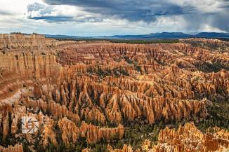 From another higher vantage point in the park gave this view of the hoodoos.