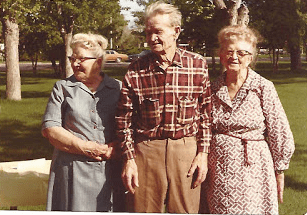 Helmer with two of his sisters, Anna and Emma. Anna's husband, Gaylord, was gassed on the front.