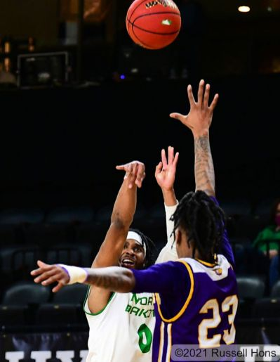 January 29, 2021 A NCAA Men's college basketball game between the Western Illinois Leathernecks and the University of North Dakota Fighting Hawks at Betty Engelstad Sioux Center in Grand Forks, ND. Photo by Russell Hons