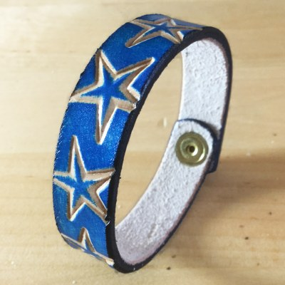 hideaway-hand-made-in-wales-blue-stars-bangle