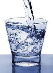 Pohár víz.