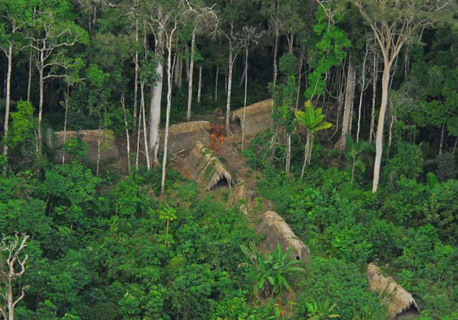 Amazóniai indián törzsek.