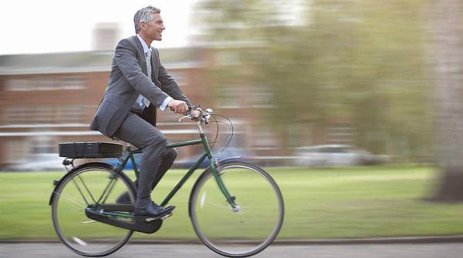 biciklizés a munkába.