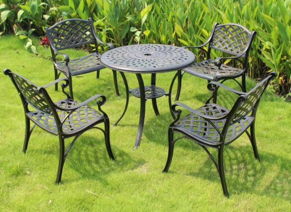 Cast aluminium dining set
