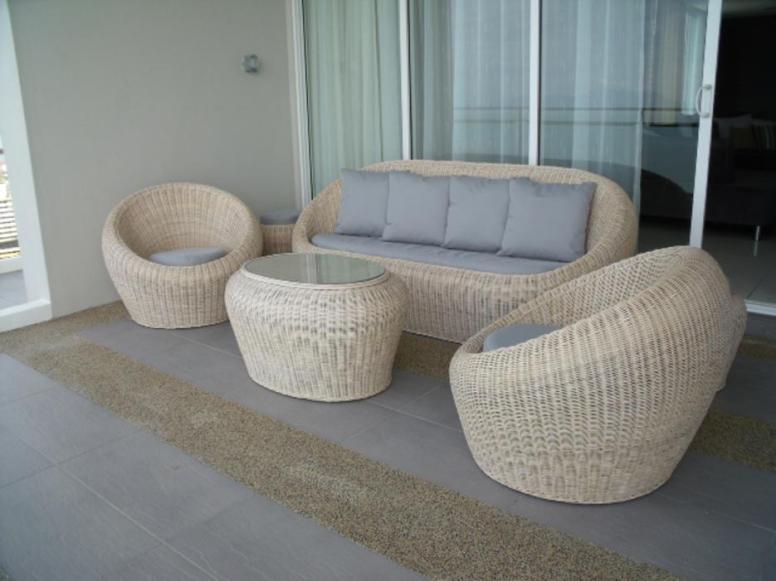 Ivory Wicker Sofa Set