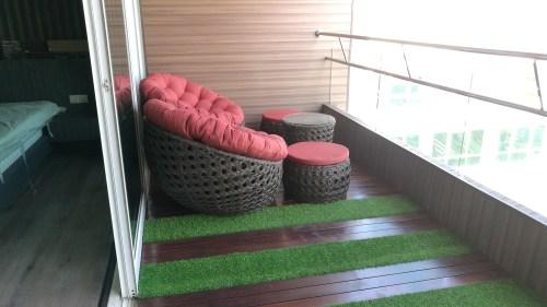 Round patio set @ Central Park