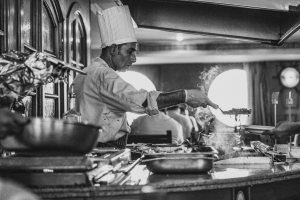 photo 2 by Stefan C. Asafti on Unsplash Fare lo chef è stressante. Lo dice il CNR