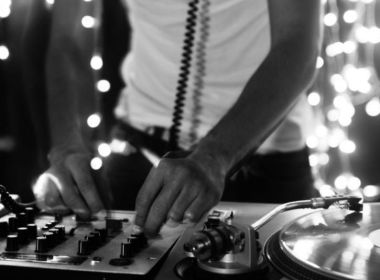 Ser DJ - El Arte de Ser DJ - música disco - discoteca - aprender DJ - mezcla musica