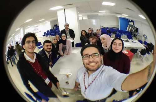 MIT ReACT - programa refugiados - ayuda refugiados - refugiados sirios - unicornia dreams - educacion digital - empoderar - refugiados de guerra