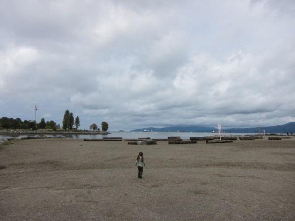 05 gwen on beach