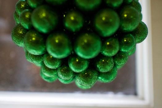 03 green ornament