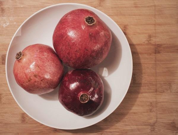 12-pomegranates