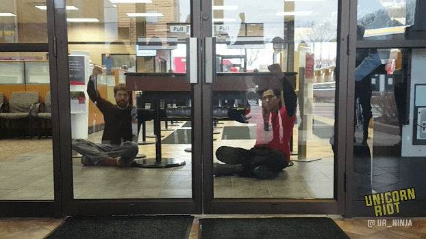 Divest from DAPL; Three Wells Fargo Locations Targeted in Minneapolis, Eight People Locked Down and Two Arrested