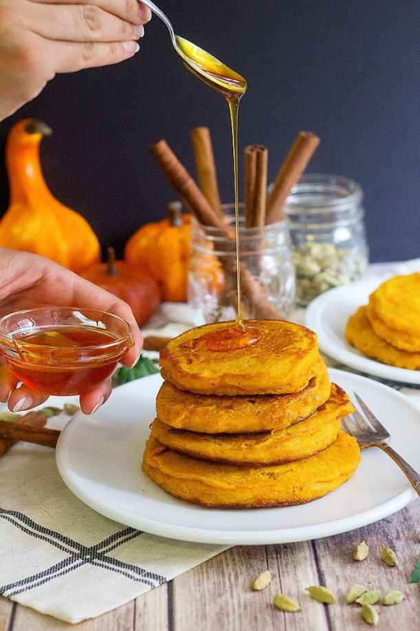 The best ever pumpkin pancakes recipe for breakfast and brunch. These pumpkin pancakes are fluffy and full of delicious flavors, and are ready in no time!