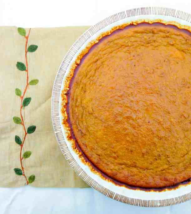 no crust pumpkin pie is an easy dessert that;s perfect for fall.