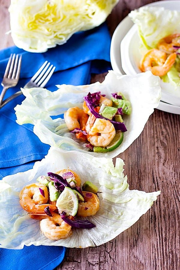 This shrimp lettuce wraps recipe is very simple and makes perfect spicy lettuce wraps.