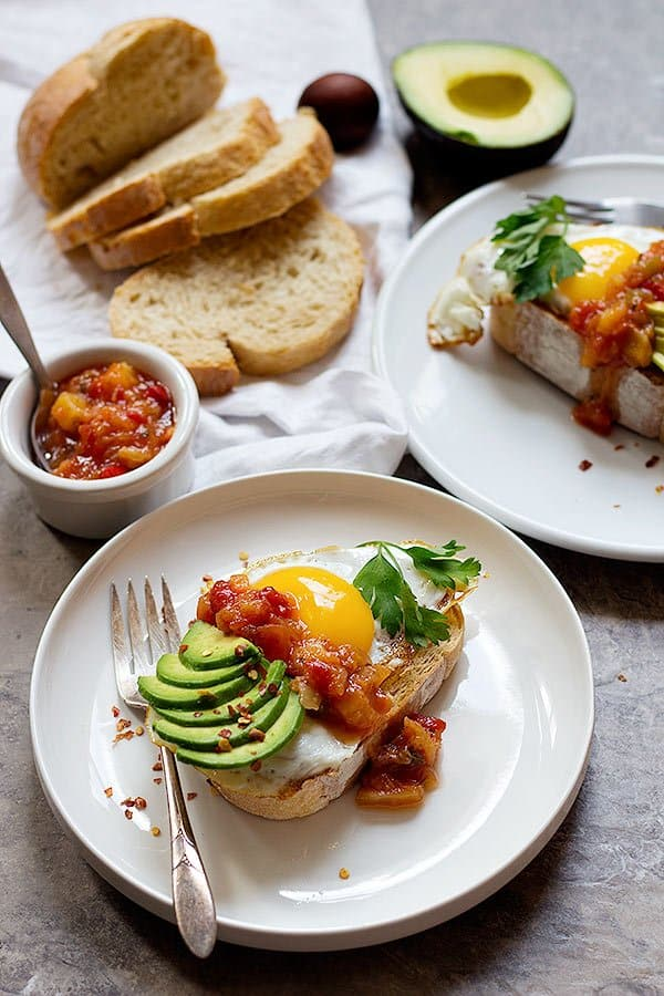 Say good bye to boring breakfast. This Sweet and Spicy Breakfast toast is here to help you start a delicious day. Start the day with a kick of salsa for more flavor!
