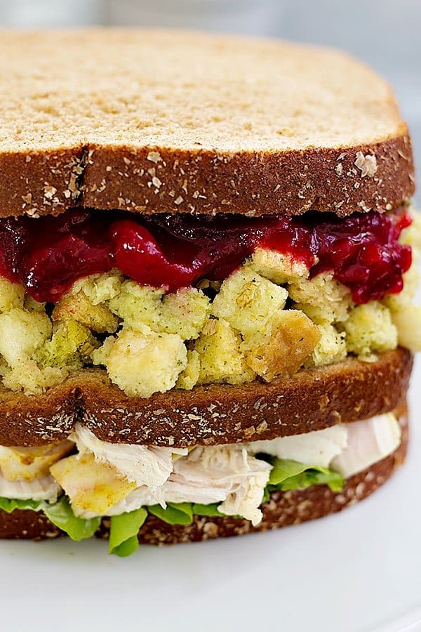 Thanksgiving Sandwich with the Moist Maker is a great way to use up all those leftovers from Thanksgiving. This Thanksgiving sandwich recipe is easy and super delicious!