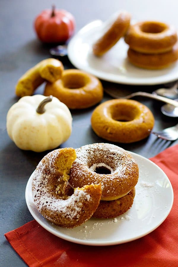 Baked Pumpkin Donuts are so simple and can be made in less than an hour using basic ingredients that are already in your pantry. From UnicornsintheKitchen.com