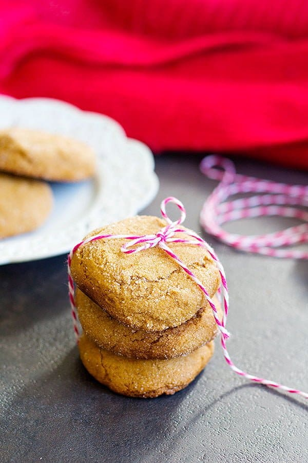 Chewy molasses cookies recipe is an easy one to make.