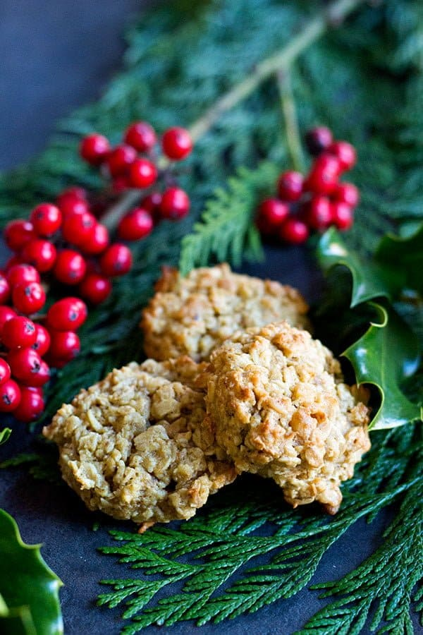 maple syrup oatmeal cookies with walnuts taste delicious!