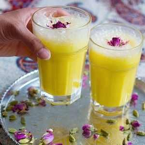 Saffron Milkshake Recipe (Persian Style)
