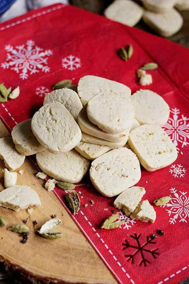 Cardamom Shortbread Cookies are perfect for any time of the year! These tender shortbread cookies with a hint of cardamom are so delicious!