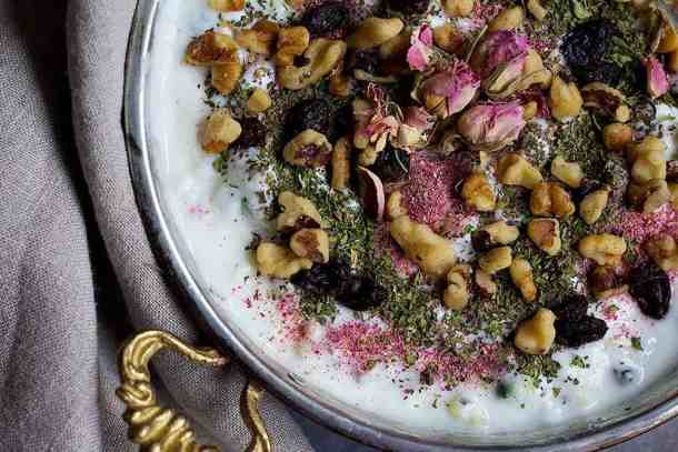 Top Mast o Khiar with walnuts, raisins and rose buds.